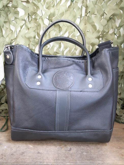 duluth pack x softs all black beauty all leather tote