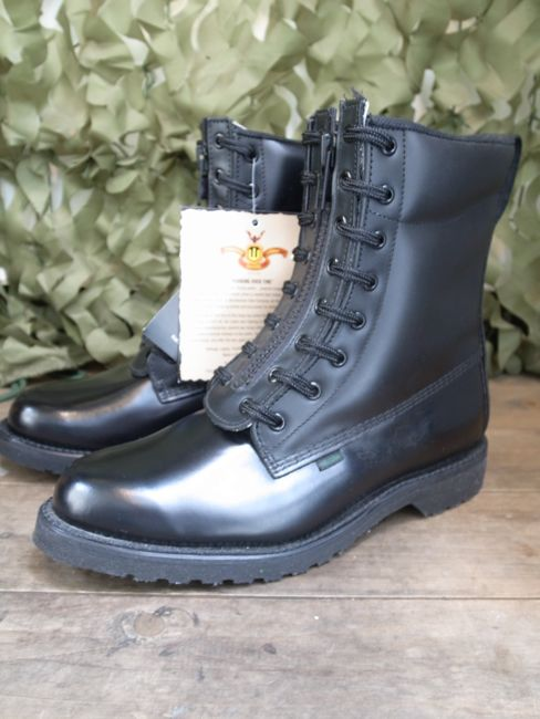thorogood quick release postman boot