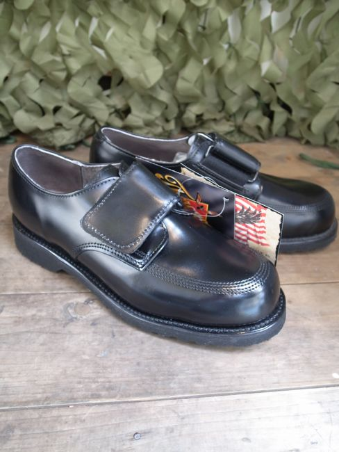 thorogood velcro work shoe